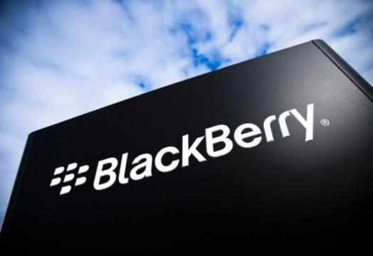 BlackBerry poprvé po dvou letech snížilo čtvrtletní ztrátu: Budoucnost má v rukou Priv