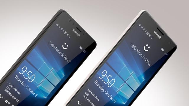 Lumia 950 a 950 XL míří na český trh. K většímu modelu získáte Display Dock zdarma