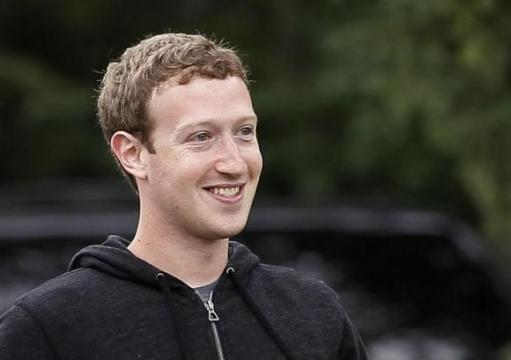 Mark Zuckerberg: Neplánujeme na WhatsAppu vydělávat