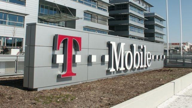 Štedrý den u T-Mobilu: V síti operátora poprvé meziročně klesl celkový provoz
