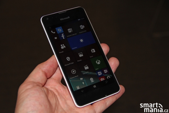 Microsoft Lumia 550: Postrach levných androidů? (videopohled)