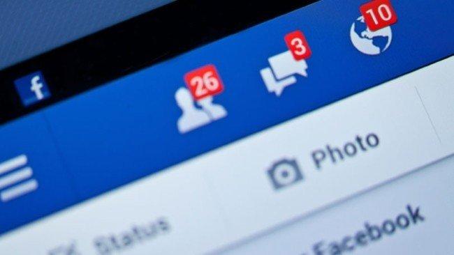 Nejdou vám jazyky? Nevadí, Facebook vám pomůže s překladem statusů do 45 cizích řečí