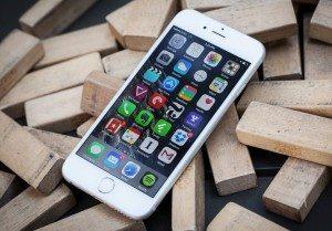 Stahujte: Apple právě uvolnil finální verzi iOS 9.3. Jaké jsou novinky?