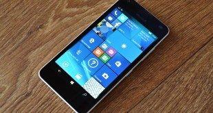 Recenze Microsoft Lumia 550: Levná vstupenka do mobilních Windows