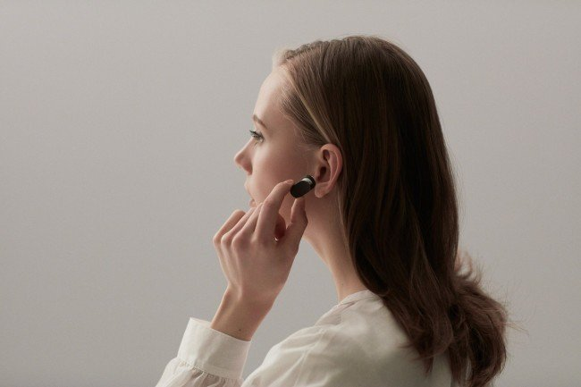 sony-xperia-ear-press-image