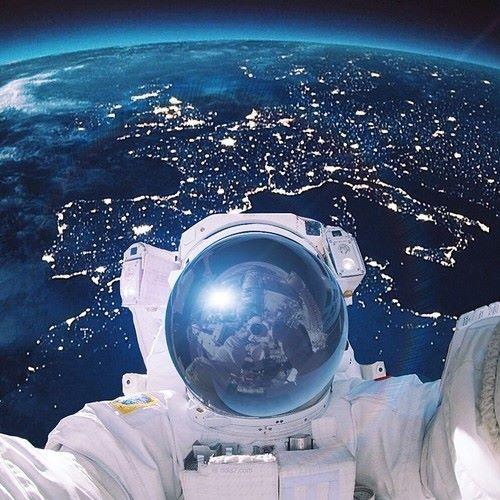 space_selfie
