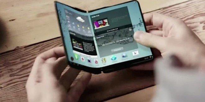 Samsung láká na odhalení ohebného telefonu. Nabídne displej s velikostí tabletu