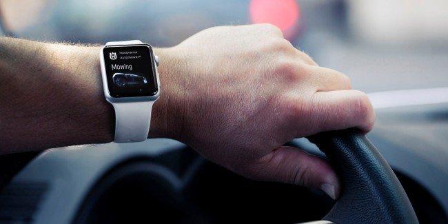 husqvarna-autower-connect-apple-watch-driving-25-hr