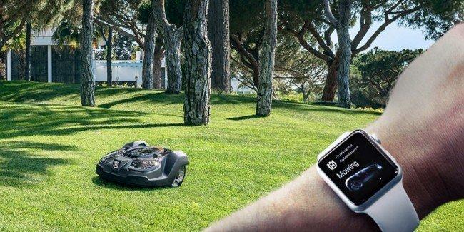 K čemu všemu mohou sloužit Apple Watch? Třeba k ovládání sekačky na trávu