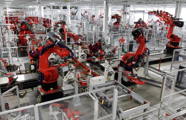 Robots-TEsla-factory