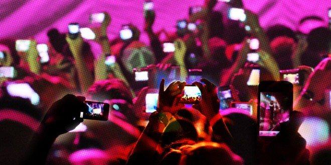 Apple získal nový patent. iPhonům zakáže nahrávání videa při koncertech