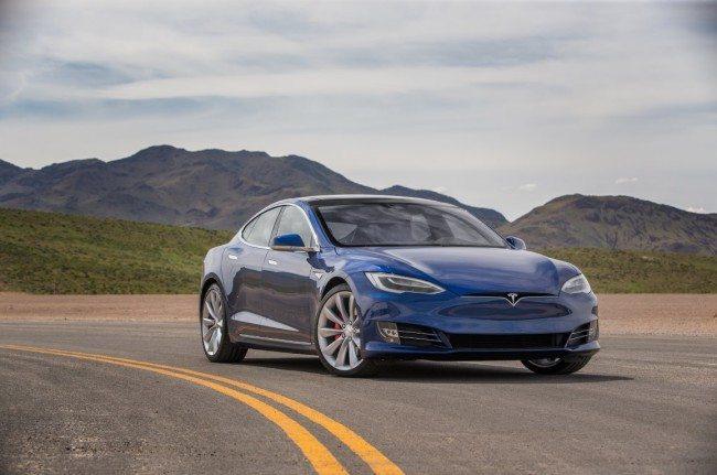 2016-Tesla-Model-S-P90D-front-three-quarter (Medium)