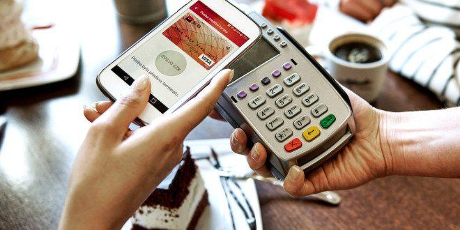 Komerční banka spouští bezkontaktní platby přes telefon a novou mobilní aplikaci