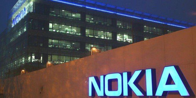 Nokia D1C zřejmě přijde ve dvou variantách: smenším a větším displejem