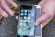Podvodní test iPhonu 7 a Samsungu Galaxy S7: Kdo přežije větší hloubku?