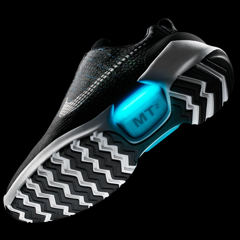 Nike příští měsíc uvede na trh samozavazovací boty HyperAdapt ... 63a5bdb5e7