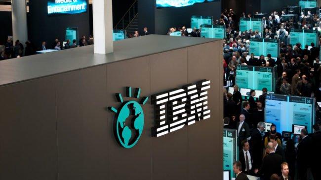 IBM přechází z PC na Macy. Šetří díky nim spoustu peněz a zvyšují produktivitu zaměstnanců