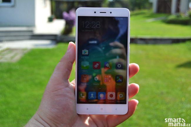 Velkým konkurentem Nokie 3 je Xiaomi Redmi Note 4 v LTE edici, jehož cena před nedávnem klesla na 4 000 Kč