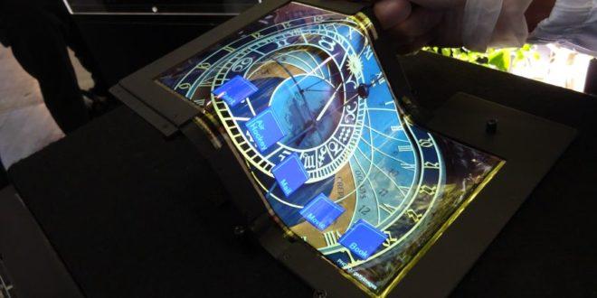 Microsoft si patentoval smartphone, který lze rozložit na tablet