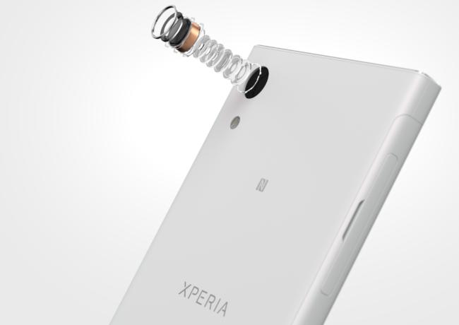 12_xperia_xa1_white_camera_components