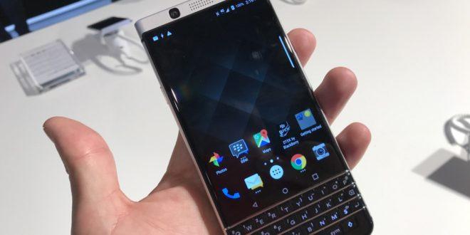 BlackBerry KEYone: první dojmy z MWC 2017 (videopohled)