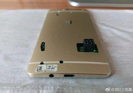 Zrušená Lumia 960 pózuje na dalších fotografiích: loni to mohl být hit