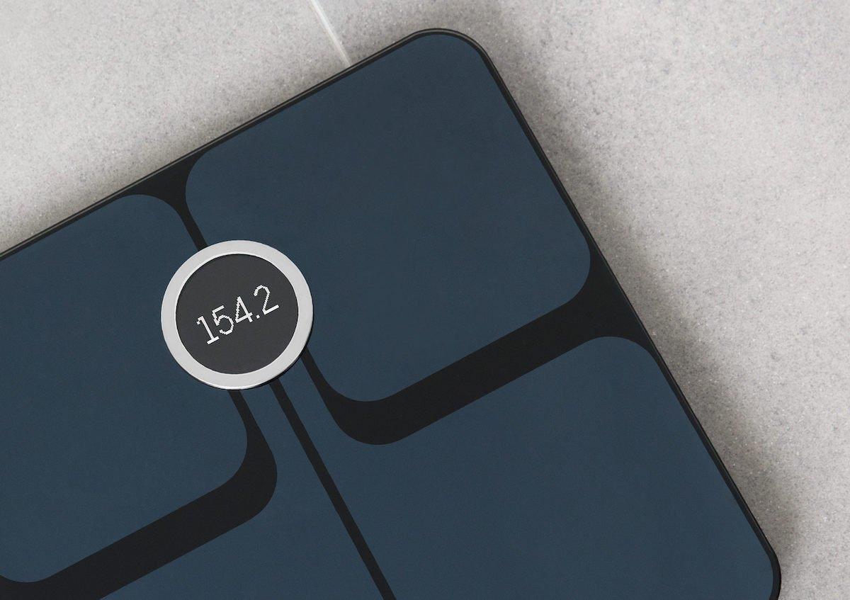 1f2cc8d54 Aria 2 umí monitorovat nejen vaši hmotnost, ale také množství tuku v těle,  svalovou hmotu a vypočítává BMI. Díky synchronizaci dat z váhy s mobilní  aplikací ...