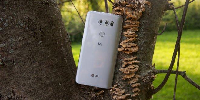 """LG V30 vklasickém testu """"tří O"""": ostré předměty, oheň a ohyb"""