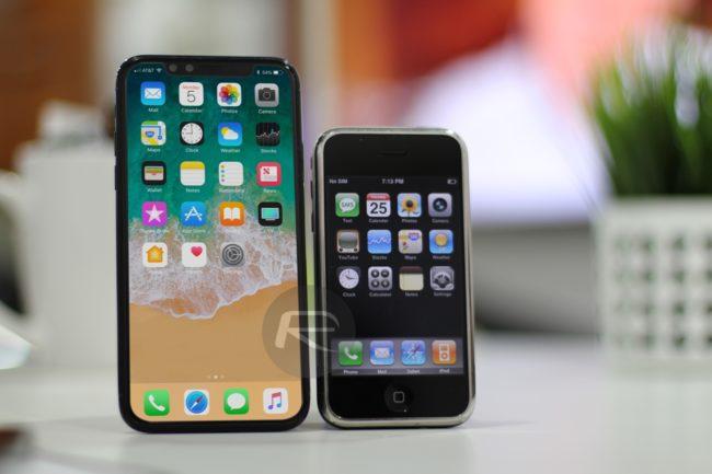 """Oproti prvním iPhonům s 3,5"""" displejem ty současné celkem narostly"""