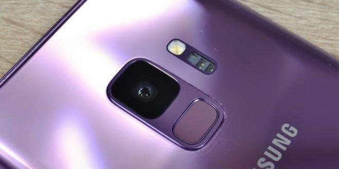 Samsung předběhl Apple: Galaxy S9 umí měřit krevní tlak
