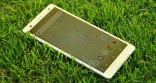 Recenze Sony Xperia XZ2: sázka na nový design