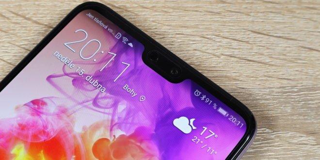 Huawei: výřez vdispleji jsme vymysleli před čtyřmi roky, ale chyběla nám odvaha