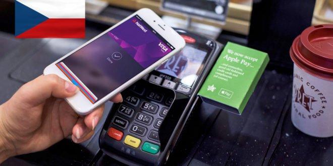 Apple Pay konečně funguje v Česku. Platit můžete iPhonem i Apple Watch