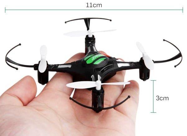 Tenhle dron nabízí skutečně miniaturní rozměry :-)