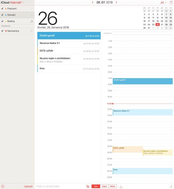 Denní náhled ve webové verzi Apple Kalendáře