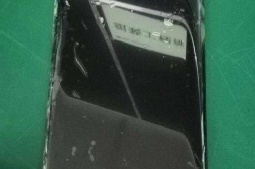Huawei Mate 20 Pro bude mít užší výřez i bradičku než iPhone X
