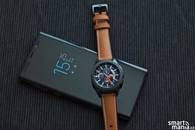 Určitě mi dáte za pravdu, že mnohem lépe Galaxy Watch vypadají s koženým řemínkem.