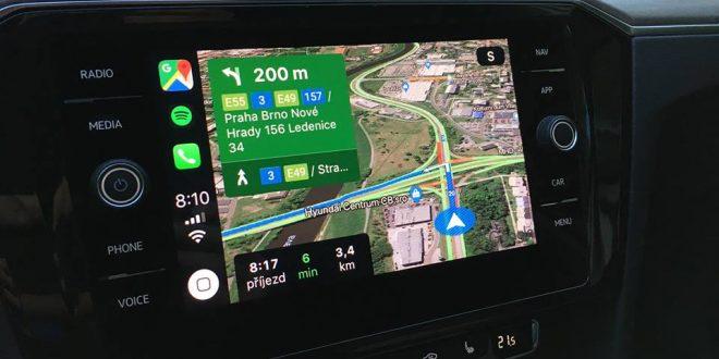 Apple CarPlay dostává siOS 12 příjemnou novinku – podporu Google Map