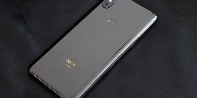 Xiaomi Mi Mix 3: výsuvná konstrukce zvládne minimálně 600 tisíc pohybů