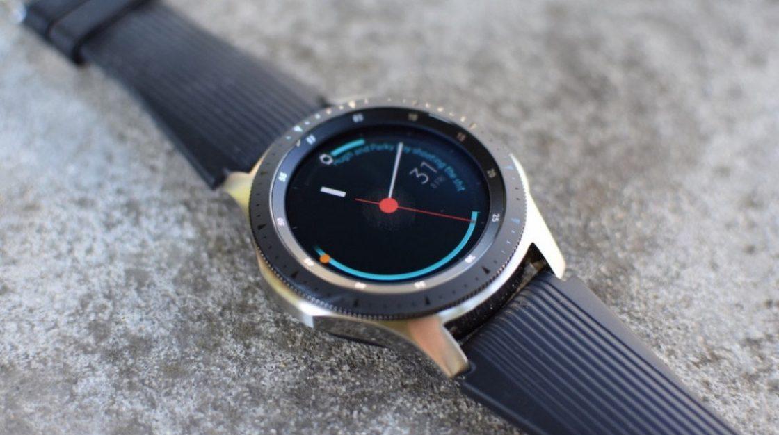 Samsung si patentoval hybridní chytré hodinky s mechanickými ručičkami  a88ef47aa37