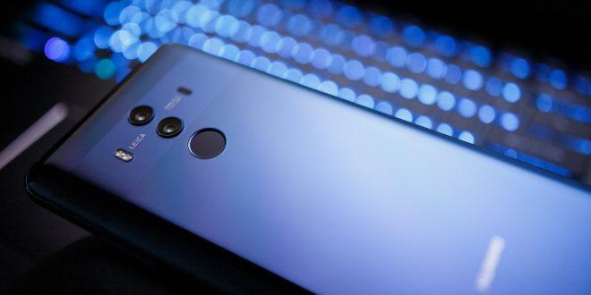 Z Úřadu vlády mizí telefony Huawei. Výrobce nařčení odmítá