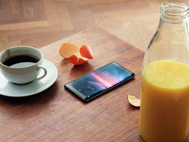 Nokia 8 Sirocco povyšuje na Android 9.0 Pie
