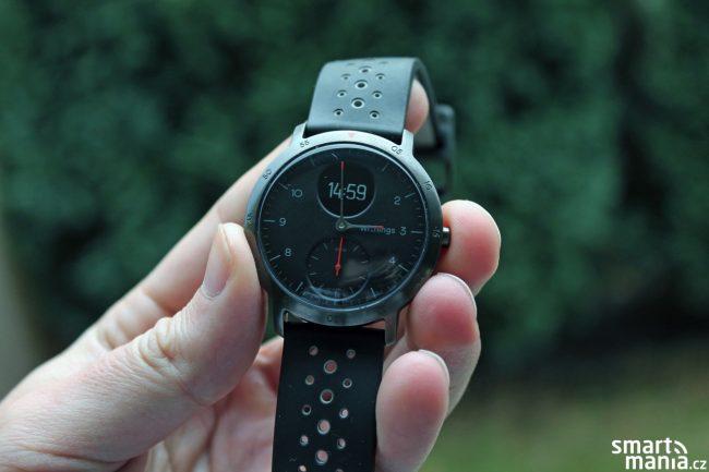 Withnings Steel HR v sobě kombinují funkce běžných hodinek a fitness náramku