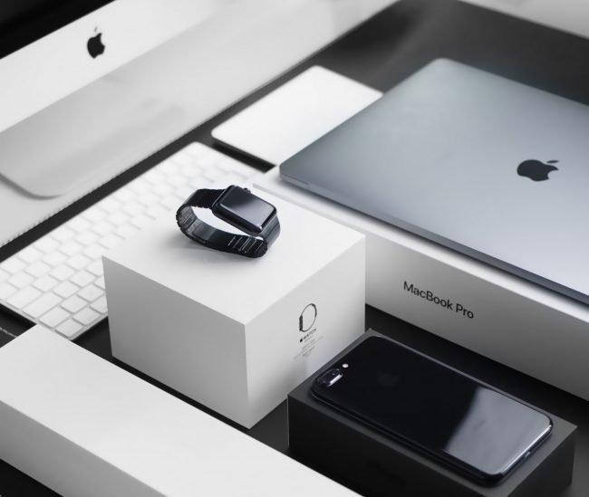 Apple iPhone Watch iMac MacBook