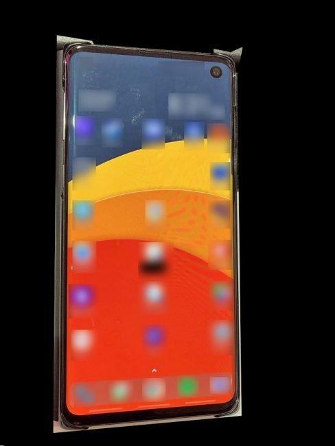 Samsung Galaxy S10 na první fotografii