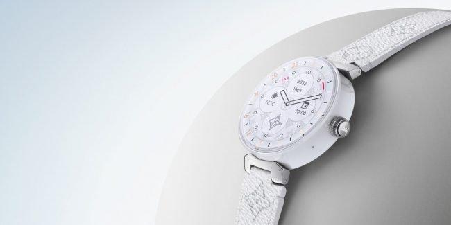 Louis Vuitton pravděpodobně vycítil příležitost a na trh uvedl chytré  hodinky Tambour Horizon ede14c84181