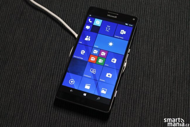 aBezdrátová nabíječka Huawei CP60 recenze