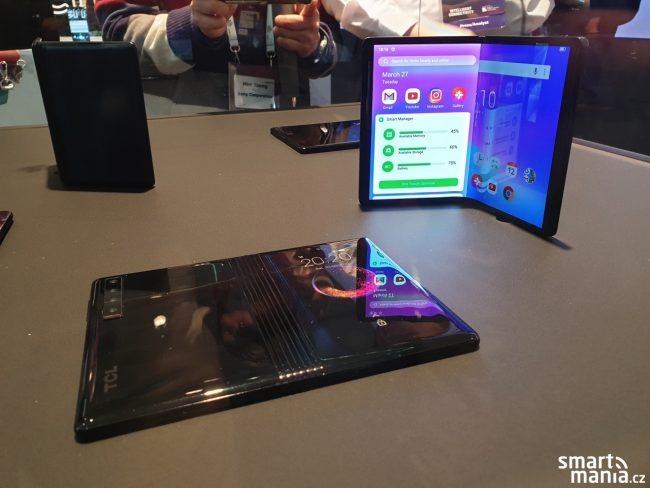 Prototypy telefonů s ohebným displejem od TCL