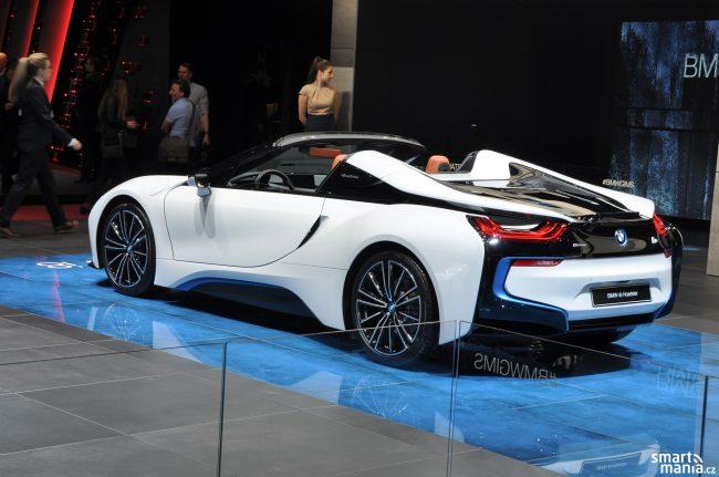 BMW i8 Roadster Zeneva 2019 01