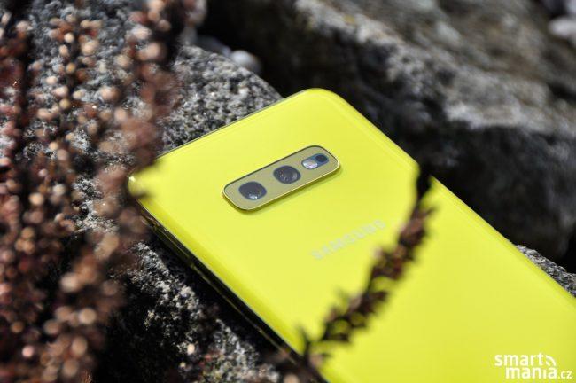 Samsung Galaxy S10e postrádá oproti Galaxy S10/S10+ třetí fotoaparát. I tak se ale můžete těšit na špičkové fotky.